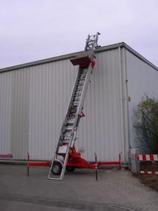 Hi-Lift Material Lift
